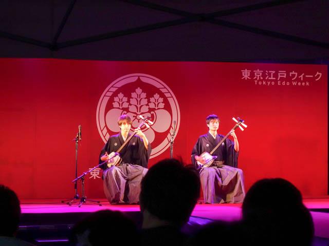 伝統楽器での演奏